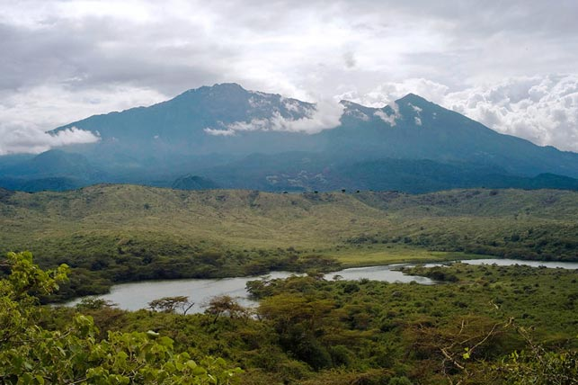 spot momela lake and mount meru with allen tanzania safaris